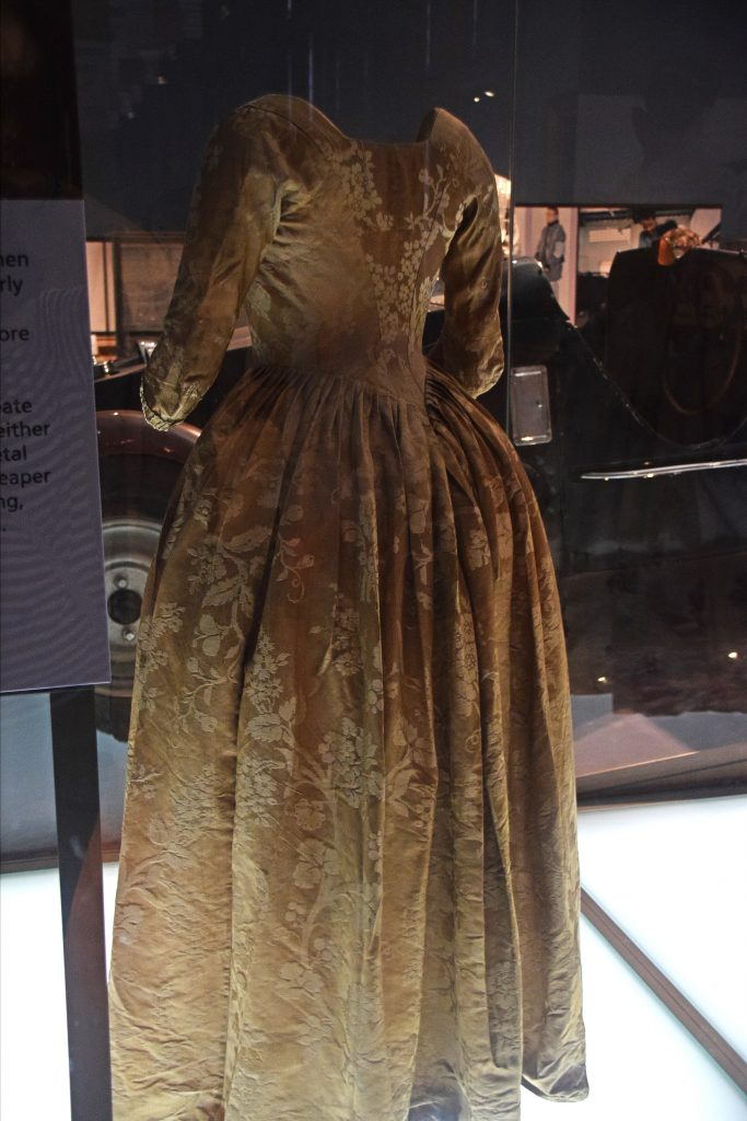 Dress belonging to Antonina Willoughby, 1780s (?), Kelvingrove Museum, Glasgow, Scotland