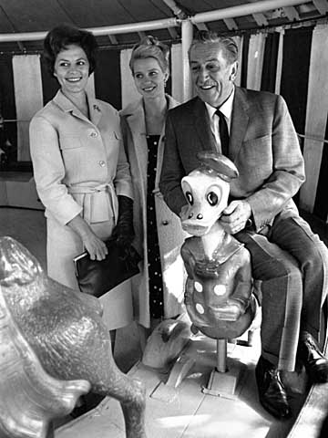 Walt Disney at the age of 63 in Tivoli, Copenhagen, Denmark. Left, the Danish actress Astrid Willaume, middle, the Danish ballerina Kirsten Simone and right, the American Donald Duck. Photo by John Stæhr viawww.imagesfile.com/